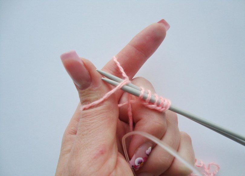 Как соединить нити при вязании спицами?