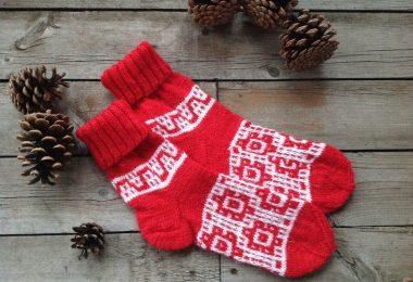 Как подобрать узоры для вязания носков спицами?