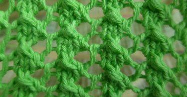 Как связать спицами узор сетка?