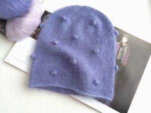 Женская шапка узором шишечки