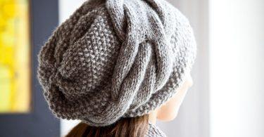 Поперечное вязание спицами шапки