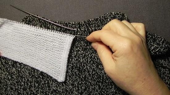 Провязываем платочной вязкой в высоту по схеме воротник