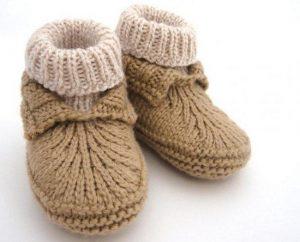 Носочки для малютки вязать