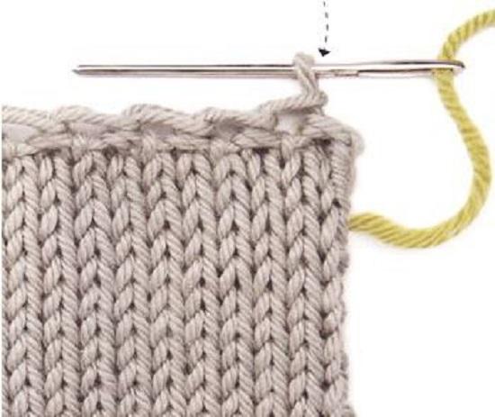Закрывать край вязаного полотна можно и в два рядка