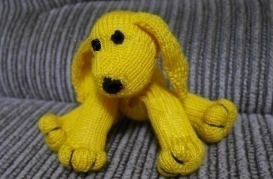 вариант вязания собаки спицами