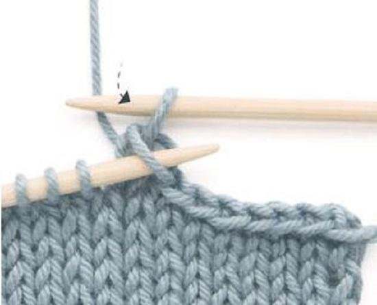 петлю снимаем и протягиваем через провязанную