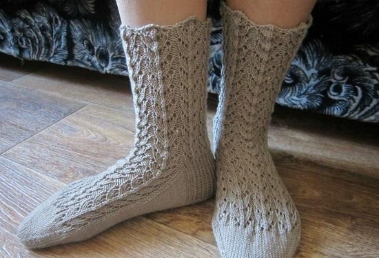 красивые ажурные носочки спицами