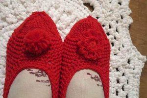 Вязание спицами: домашние тапочки
