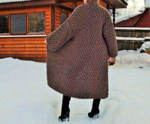 Прямое пальто для женщин с большими объемами