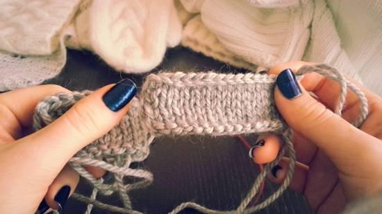 Как закрывать петли при вязании спицами