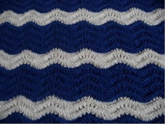 Как связать классический вариант узора «Волна» спицами